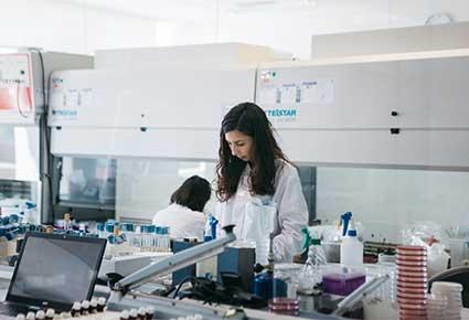 curso laboratorio microbiologia ainia
